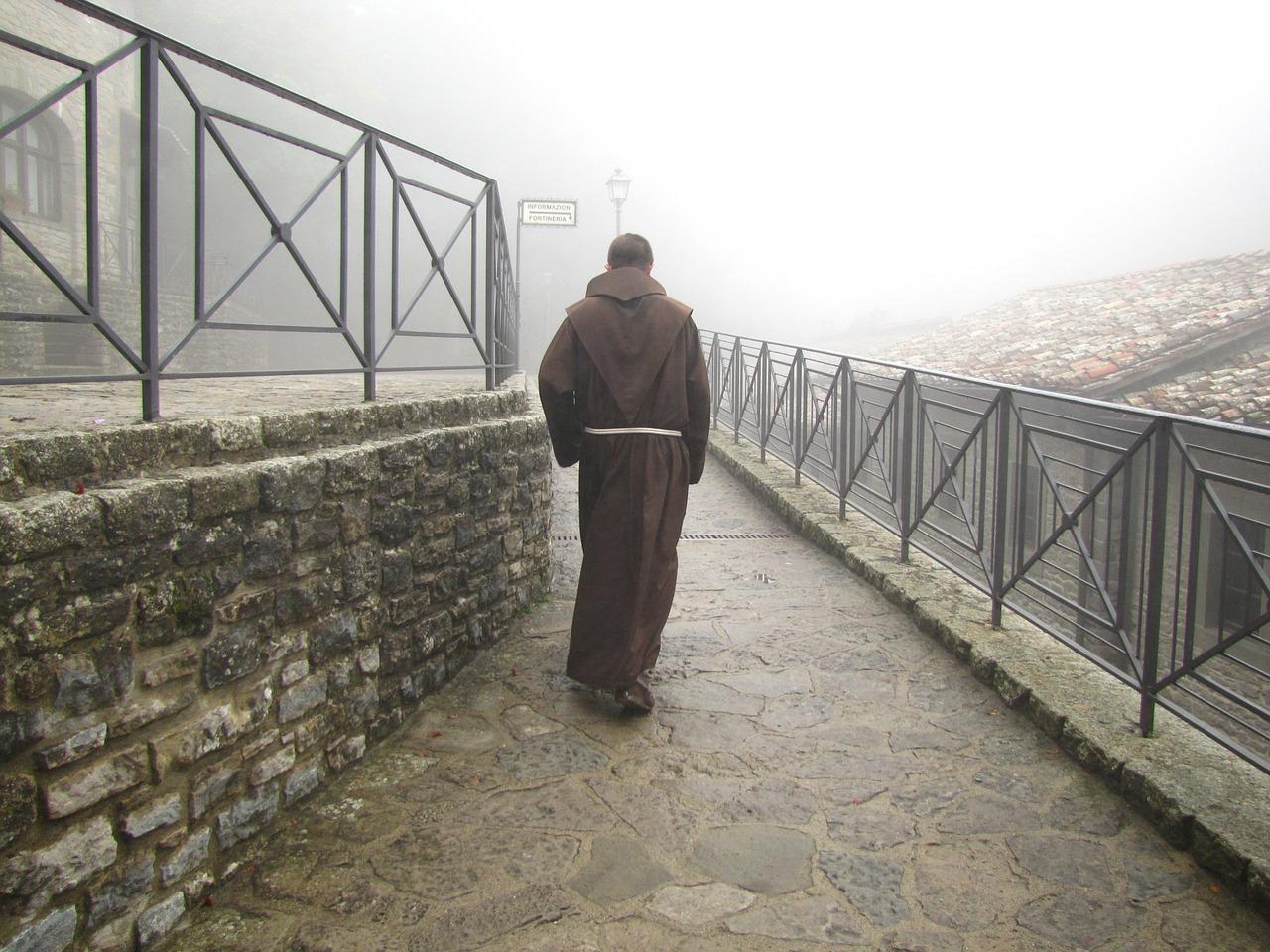 монах2