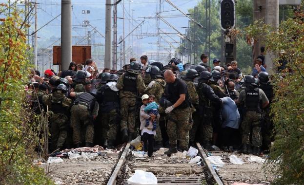 мигранти гърция - македония