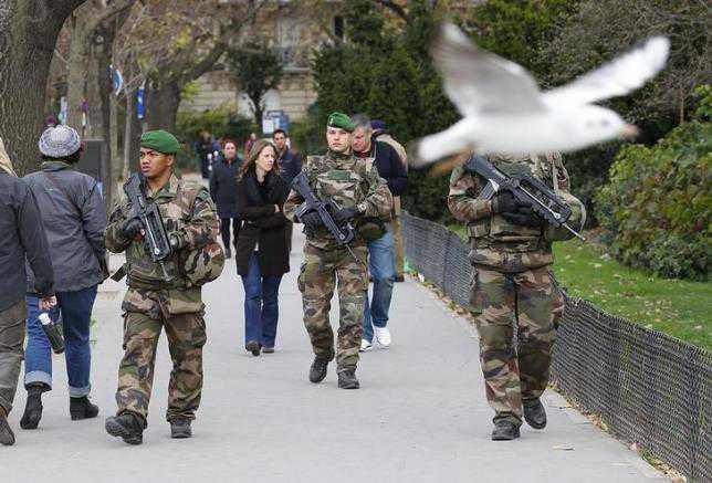 париж военни