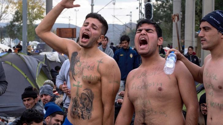 протестиращи мигранти