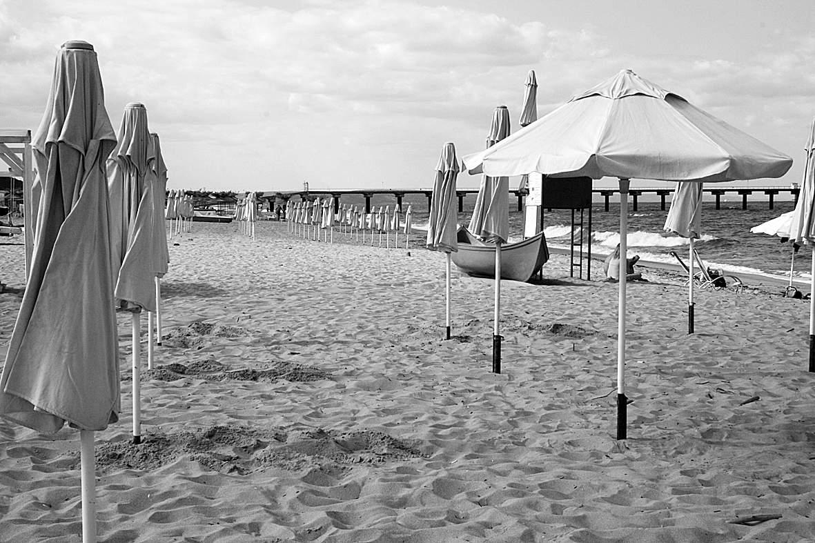 празен плаж