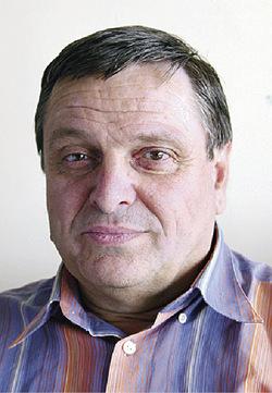 Юлиан Узунов