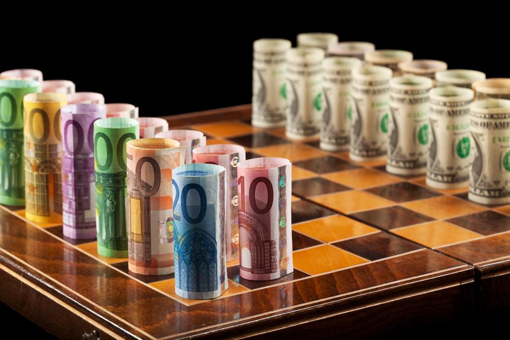 долар и евро шах