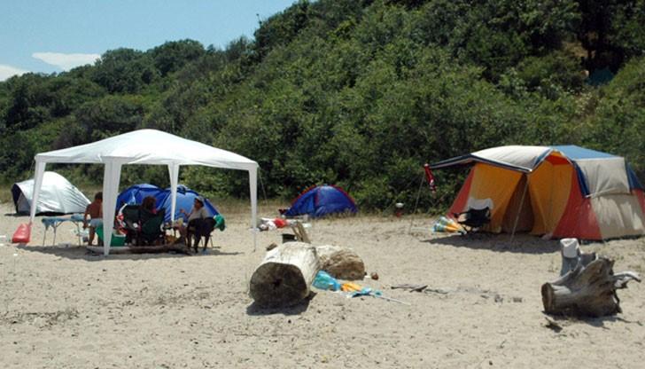 палатки на плажа