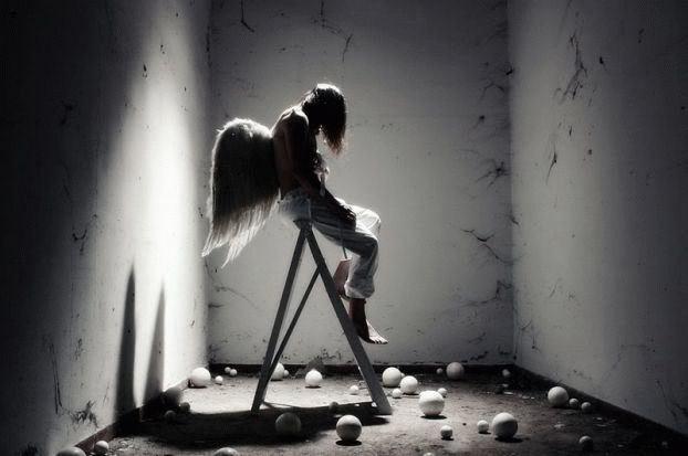 ангел луд лудница непълноценен
