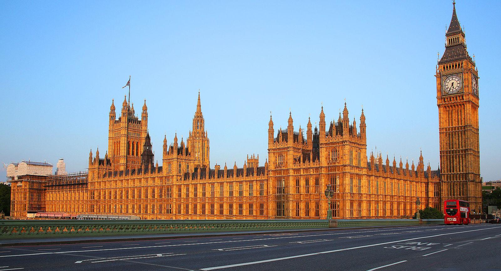 Парламент Великобритания