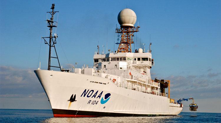 NOAA кораб