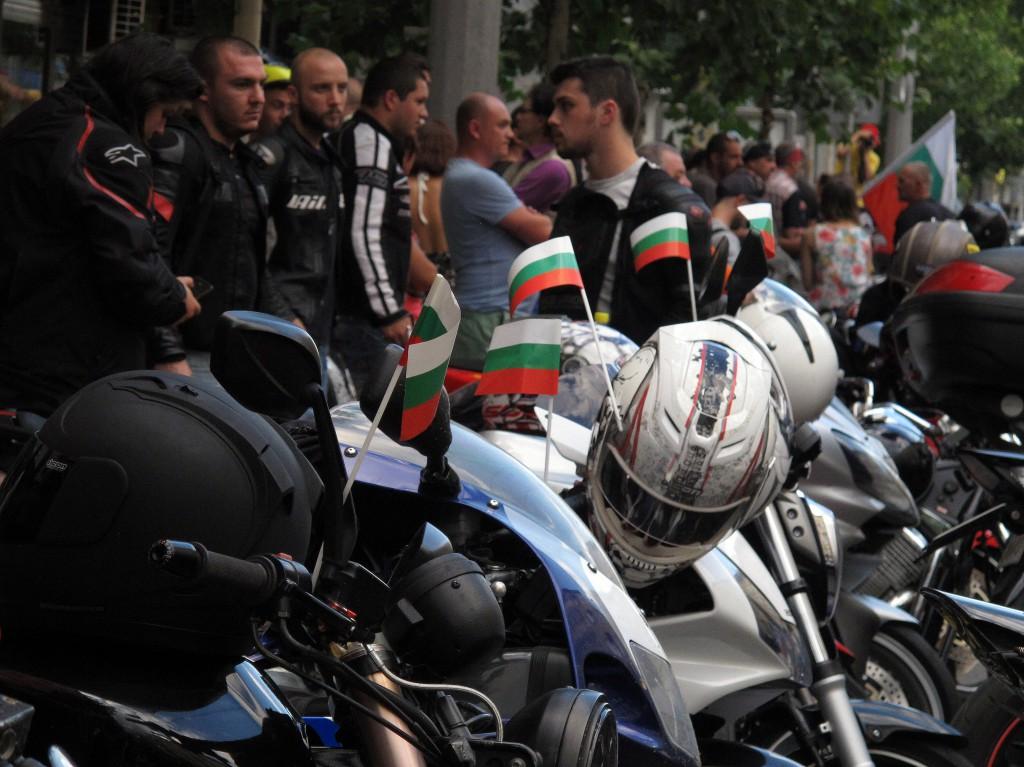 рокери пред турското посолство 6